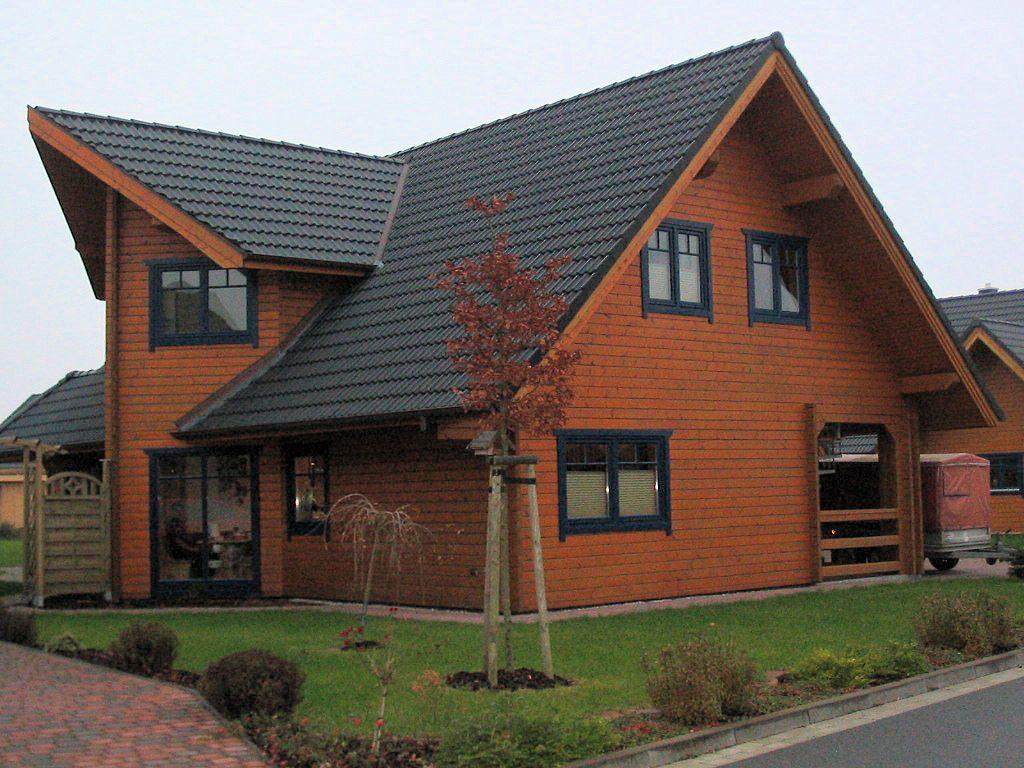 Selbstbauhaus - bauen mit dem Holzhaus-Bausatz von HELIOS-Holzhaus